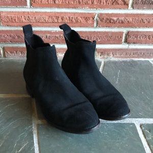Black suede TOMS boots